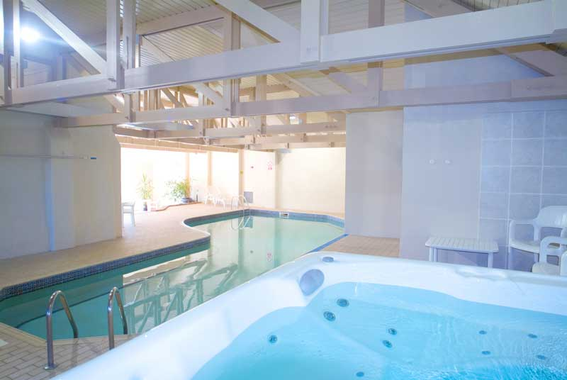 General Broomhill Manor Image indoor swimming pool whirlpool