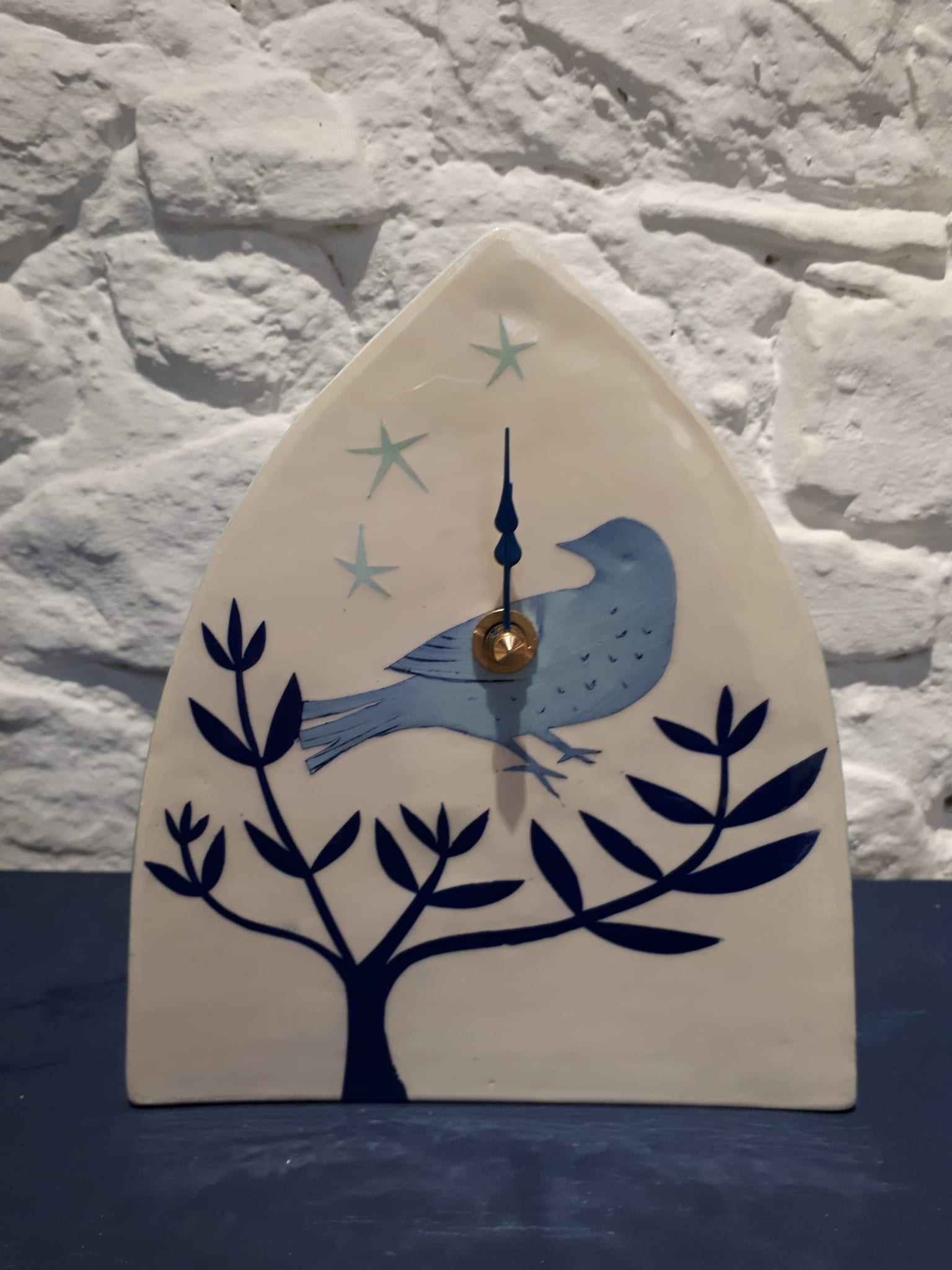 Welcombe pottery Bluebird in hedge clock 2018